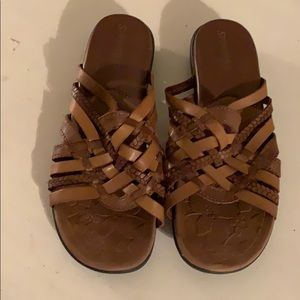 St Johns Bay brown sandals size 7.5
